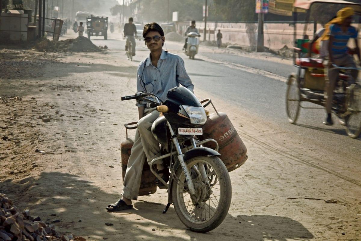 wheel, road, people, man, street, vehicle, motorcycle