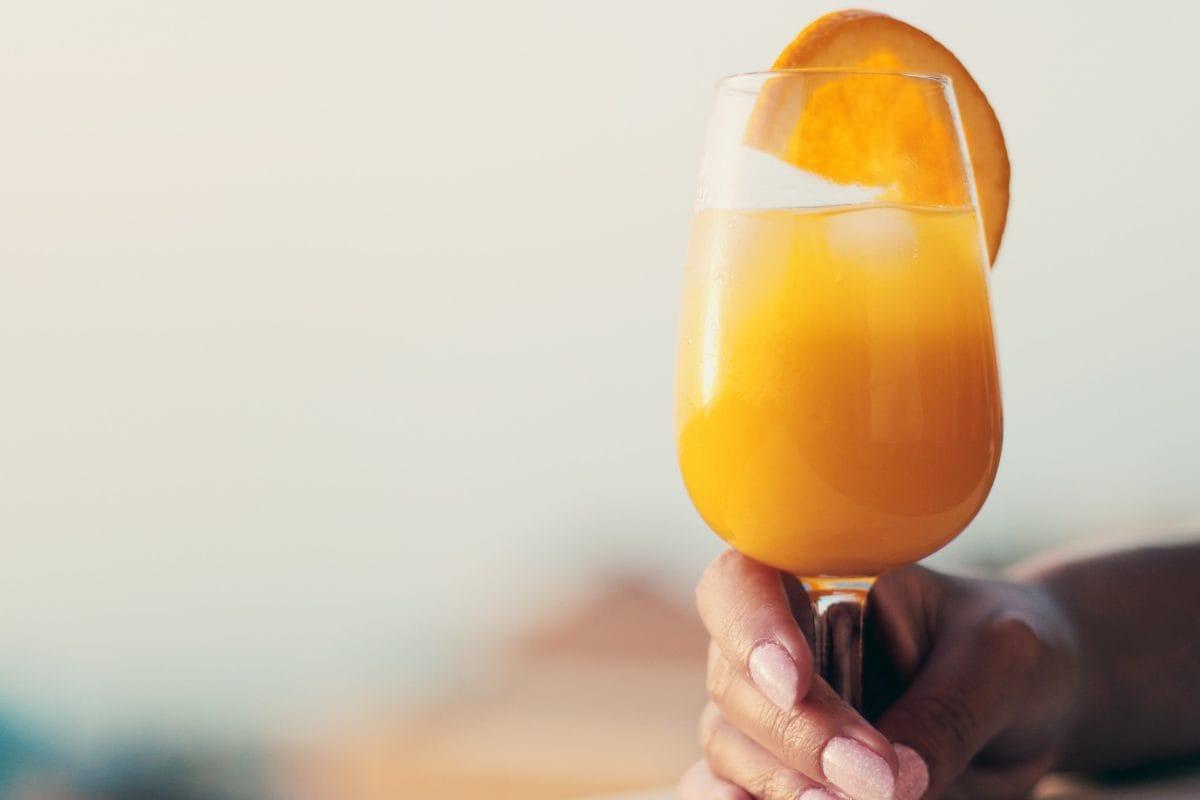 cocktail, drik, hånd, frugt, juice, person, indendørs, glas