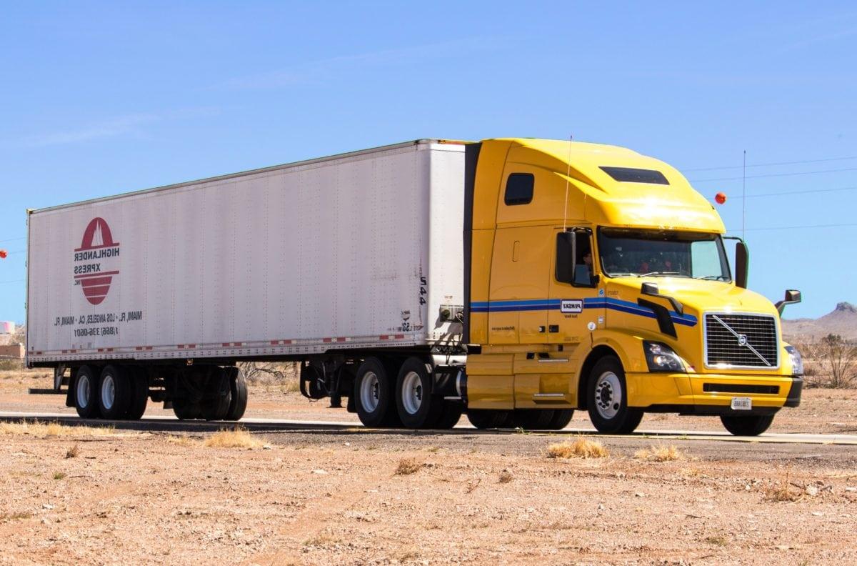 大型トラック, 出荷, ディーゼルエンジン, 車両, 輸送, 貨物