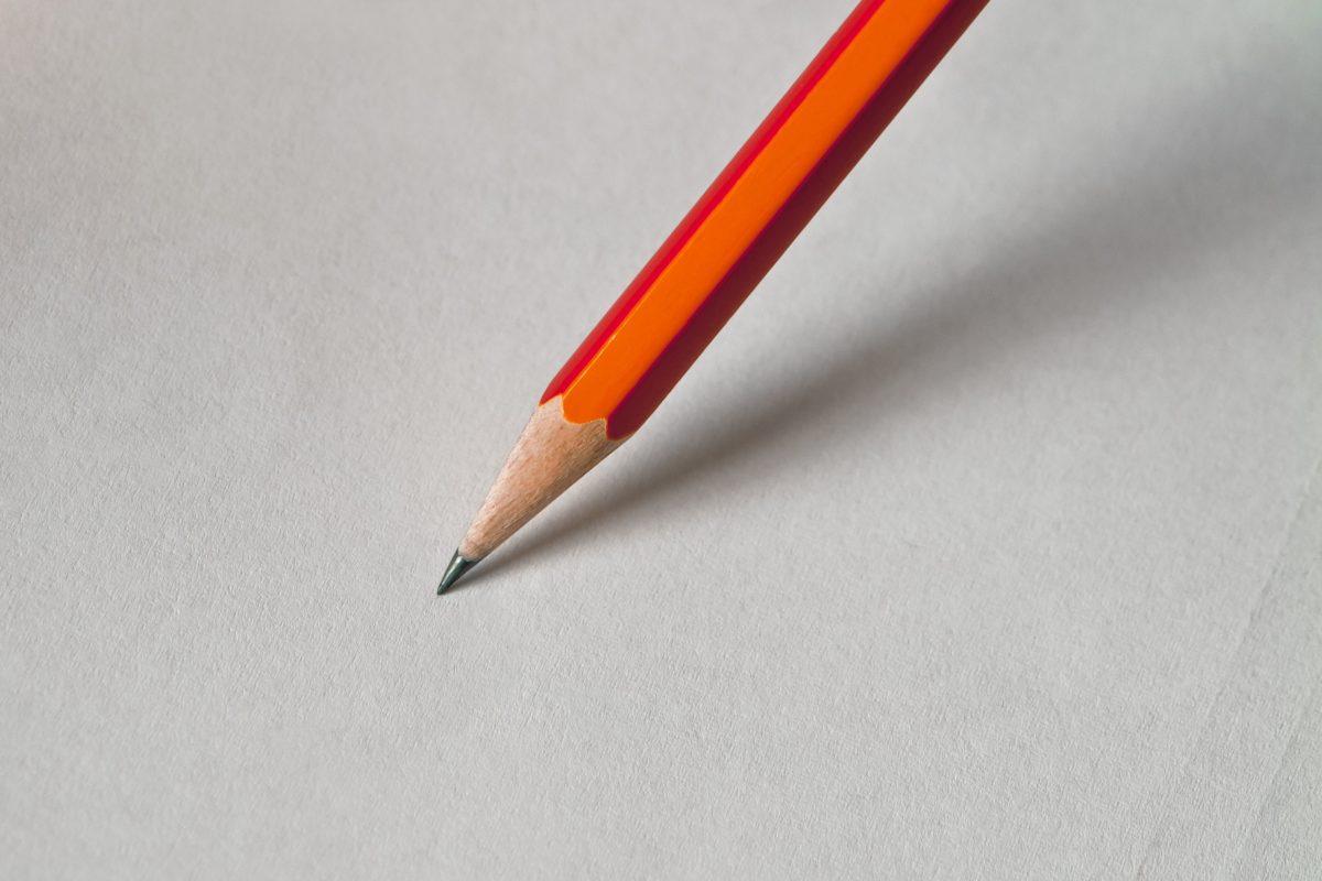 Lyijy kynä, kirjoittaa, paperi, luovuus, koulutus, puu
