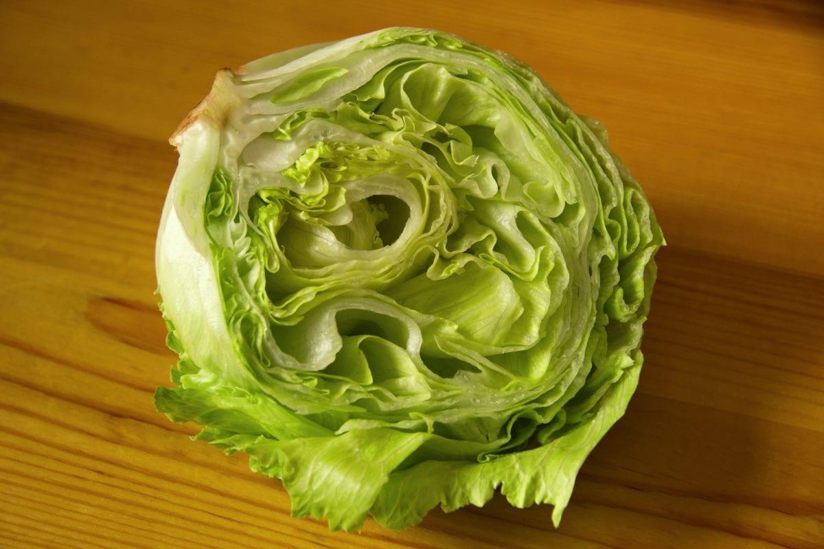 potraviny, zelenina, list, zelené zelí, bylina, hlávkový salát, kuchyňský stůl