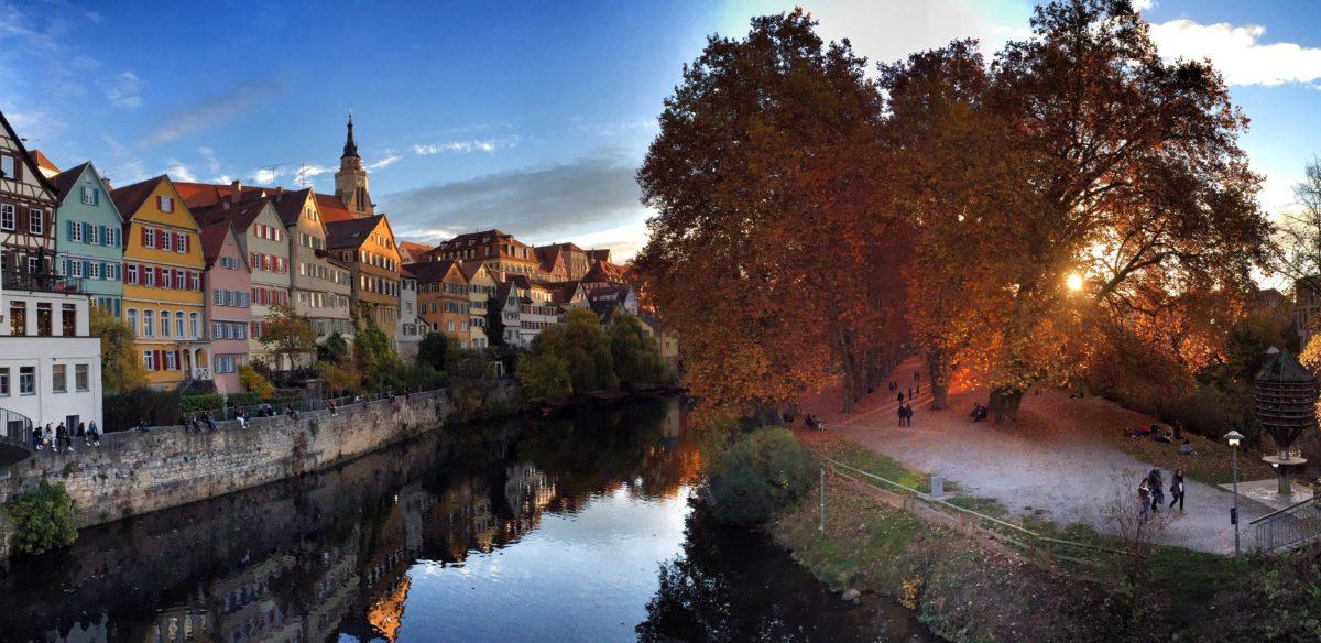Architektura, voda, krajina, řeka, strom, podzim, obloha
