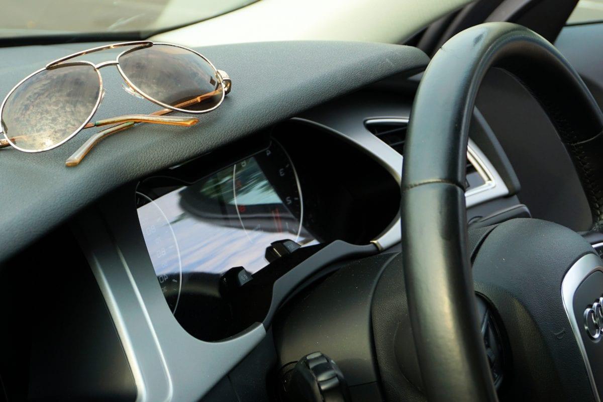 bảng điều khiển, kính chắn gió, kính mát, xe hơi, xe nội thất, giao thông vận tải