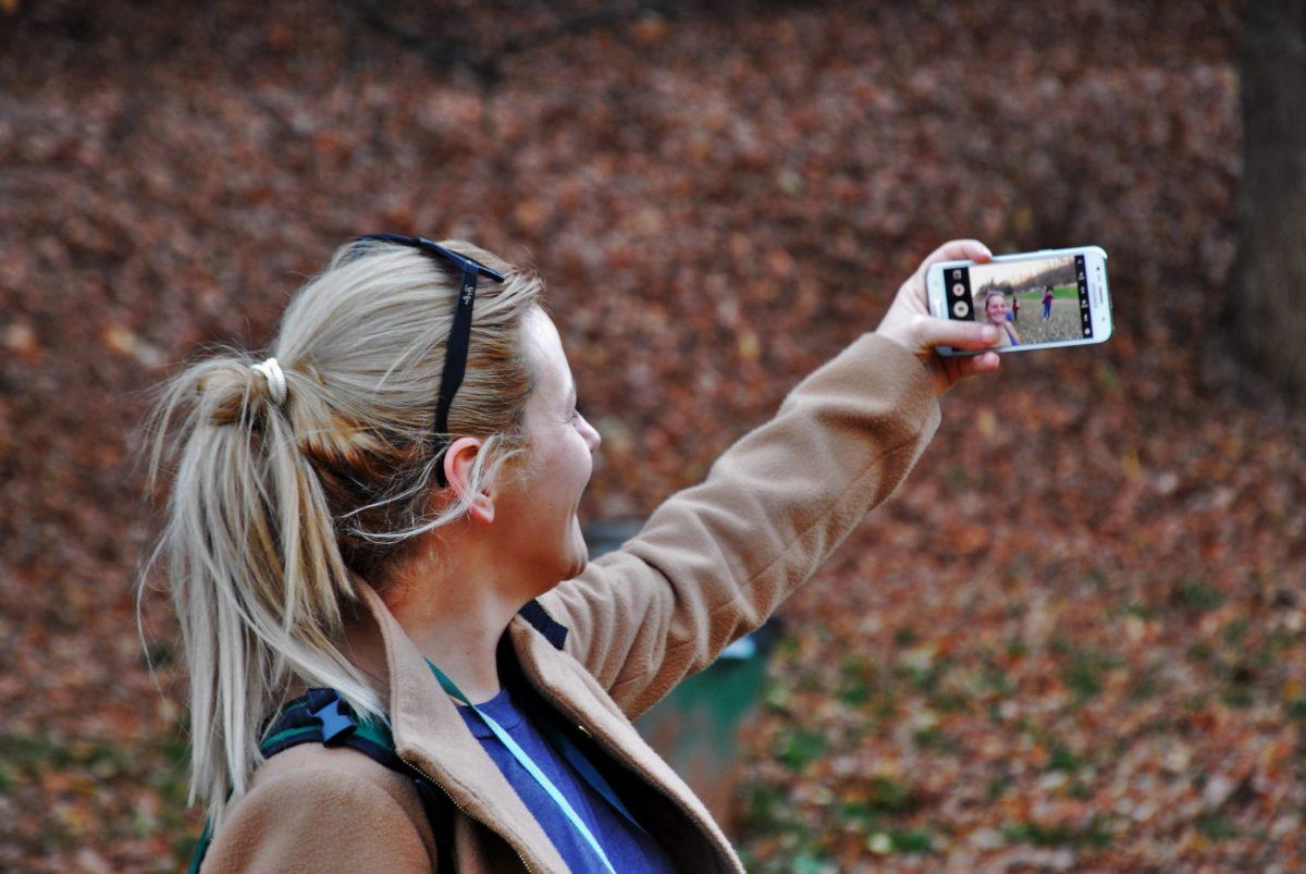 fotós, nő, csinos lány, Autoportré, személy, kültéri, földi