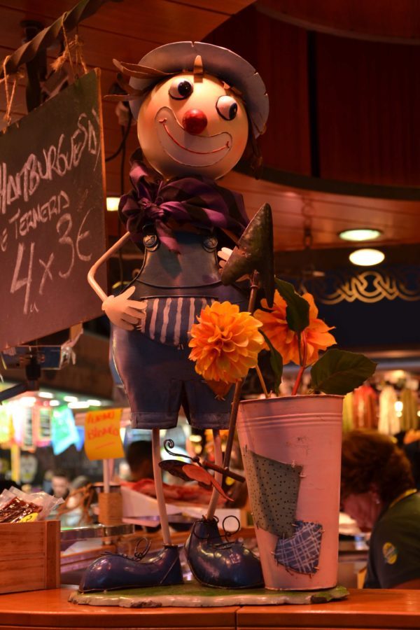 scarecrow, toy, toy shop, object, indoor, supermarket