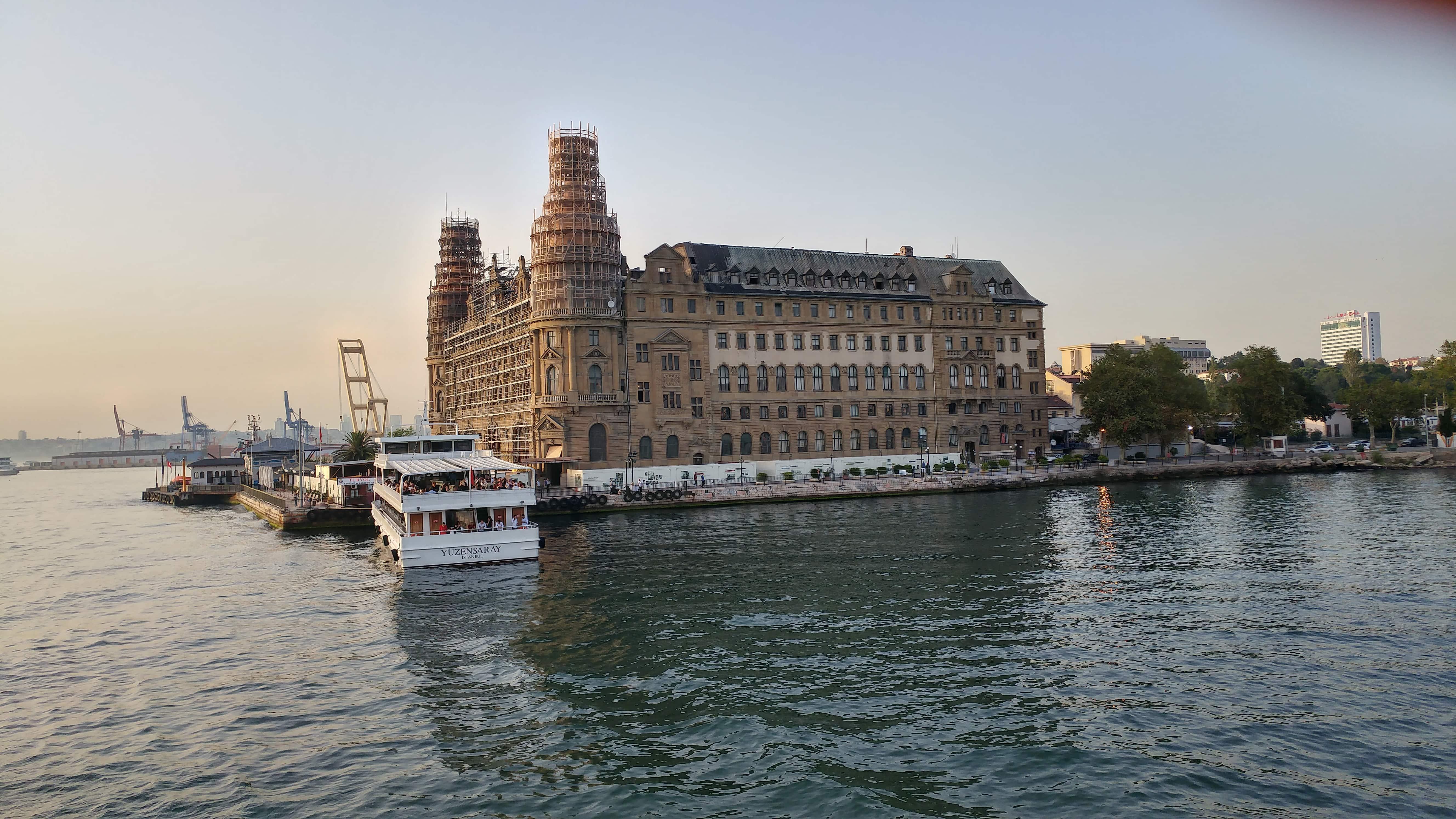 image libre: lumière du jour, ville, motomarine, istanbul, eau