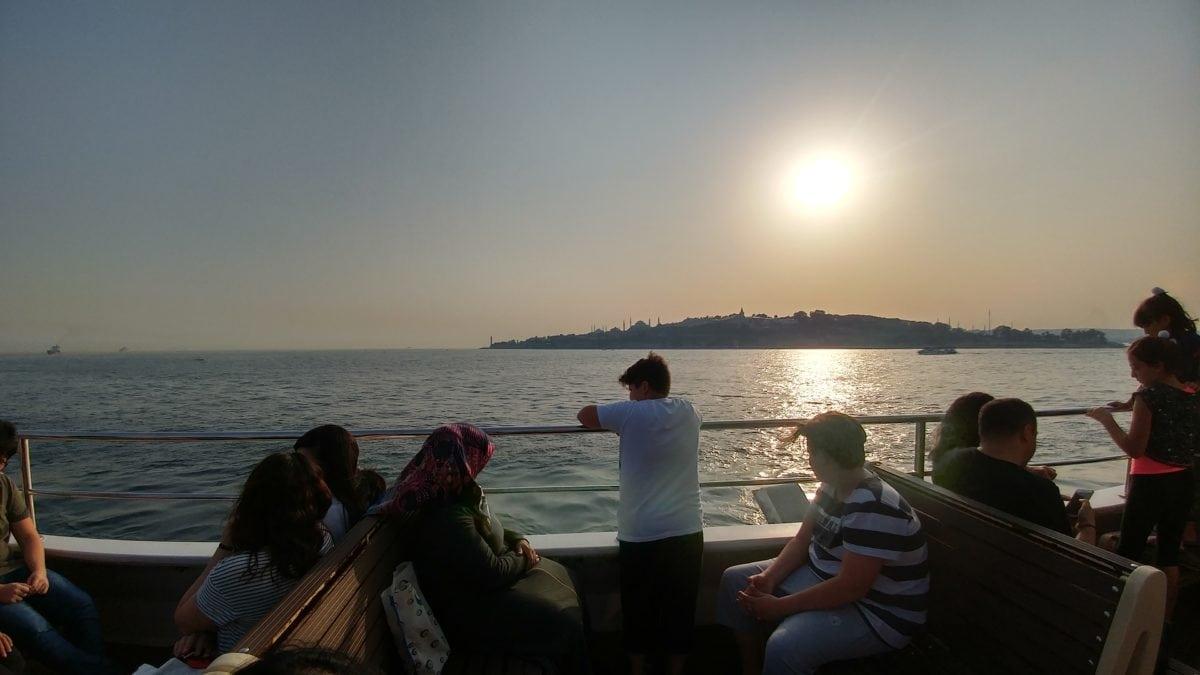 sunset, vehicle, tourism, water, tourist attraction, watercraft, people, sea