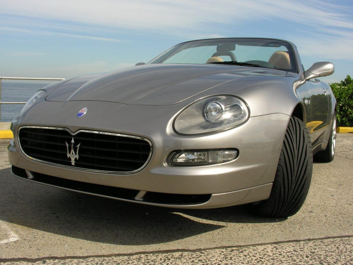 vehículo, coche gris, automóvil, automóvil, velocidad, transporte, asfalto, neumático