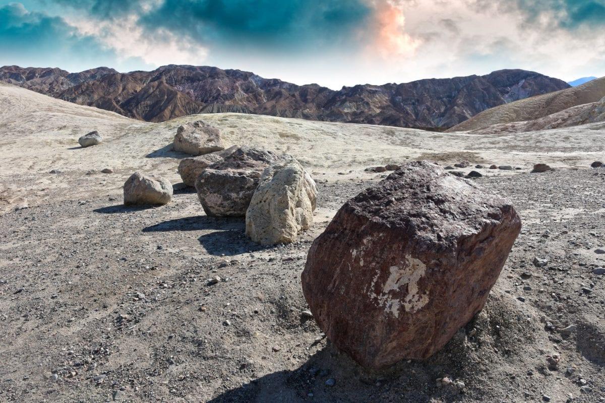 пустиня, природа, синьо небе, пейзаж, планина, камък, земя, на открито