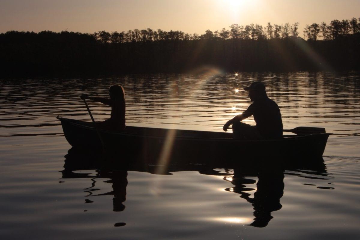 Pozadinski bljesak, silueta, kanu, zalazak sunca, voda, ljudi, refleksija, zora, jezero