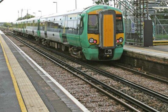 train, engine, platform, station, locomotive, fast, railway
