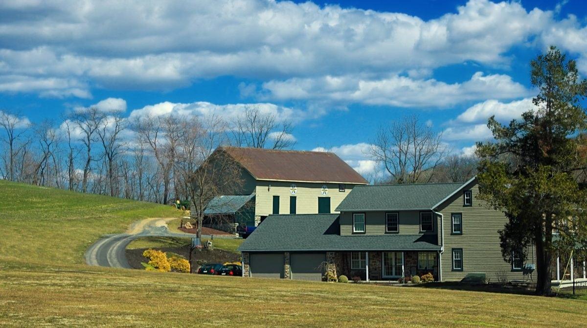 ホーム、納屋、家、屋根、青空、風景、建築、不動産、構造