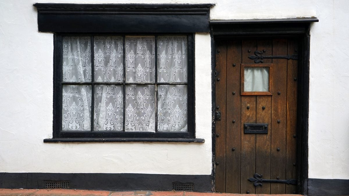 Прозорец, къща, дърво, архитектура, входна врата, стена, стари, на открито