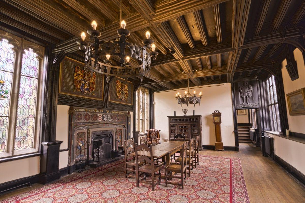 dywan, pokój, meble, krzesło, dom, stół, dom, żyrandol