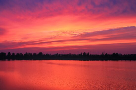 water, dusk, red sky, dawn, reflection, lake, sunset, sky, atmosphere