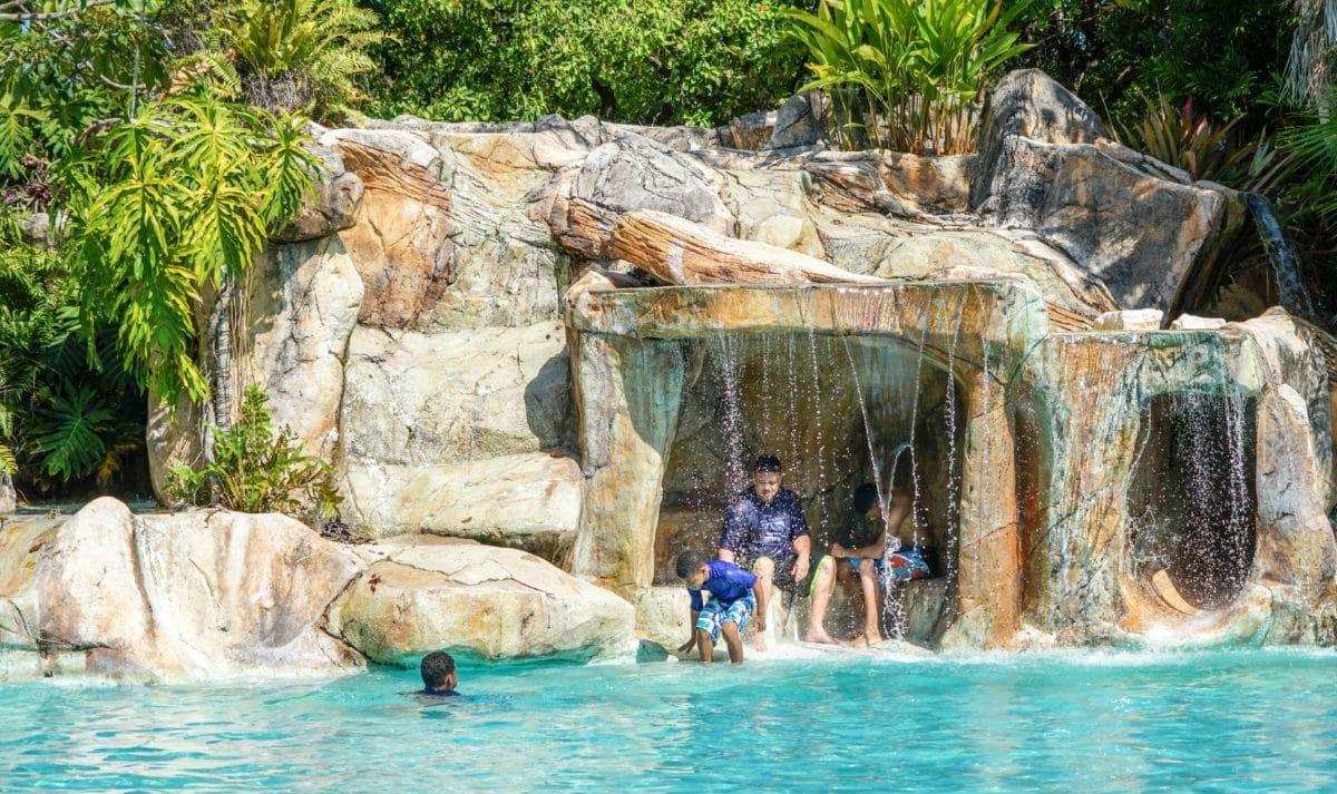 วัยเด็ก, ธรรมชาติ, น้ำ, เปียก, สระว่ายน้ำ, ฤดูร้อน, ถ้ำ, ภูมิทัศน์, ทะเล, กลางแจ้ง