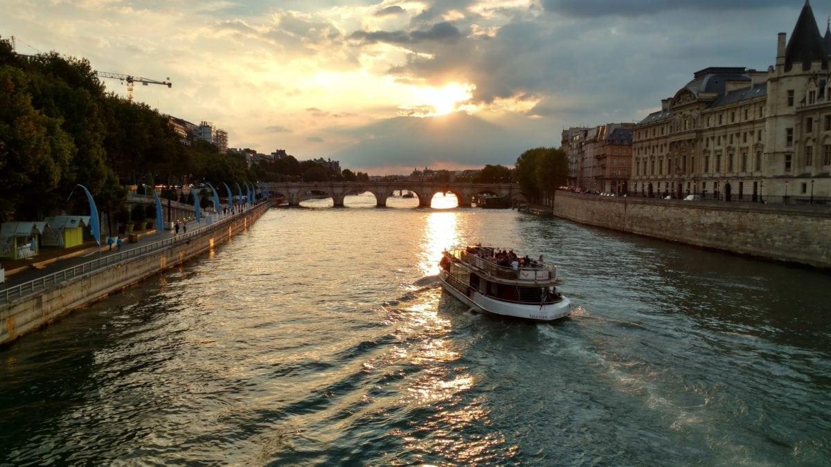 vodní skútry, čluny, řeky, orientační bod, cestovní ruch, most, západ slunce, kanál, voda, město, pobřeží, venkovní