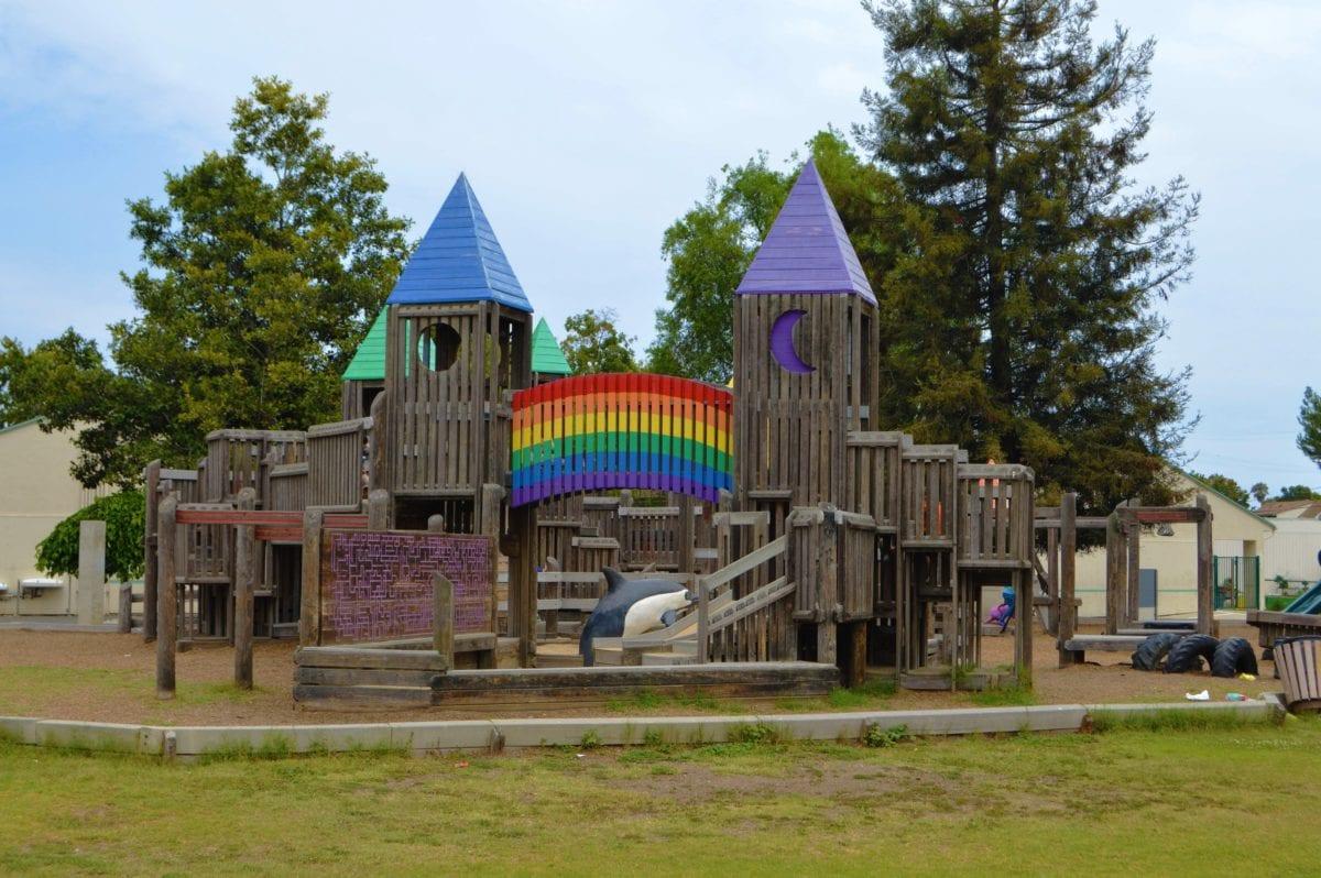 πάρκο, σπίτι, αρχιτεκτονική, παιδική χαρά, κάστρο, δομή, χλόη, δέντρο, ουρανός