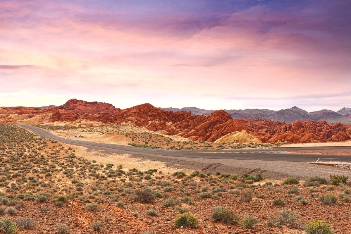 Пустинен път, пейзаж, геология, ерозия, природа, небе, каньон, долина, планина