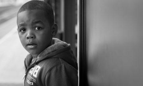 kind, persoon, portret, mensen, zwart-wit, zoon, Straat, jongen