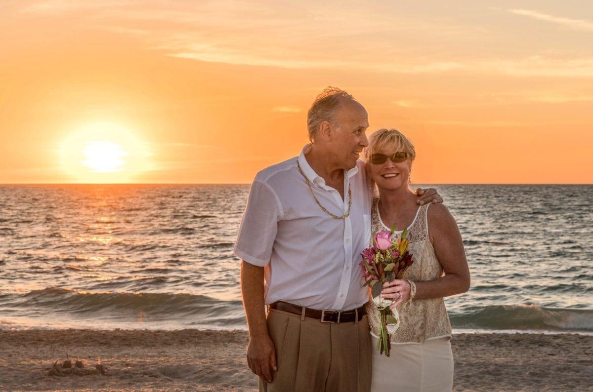 老人, 祖父, 祖母, 爱, 浪漫, 水, 海, 砂