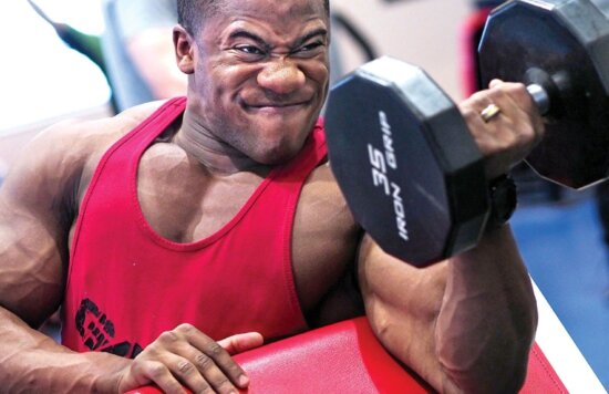 Beau, exercice, visage, salle de gym, sport, programme de formation, équipement, haltère