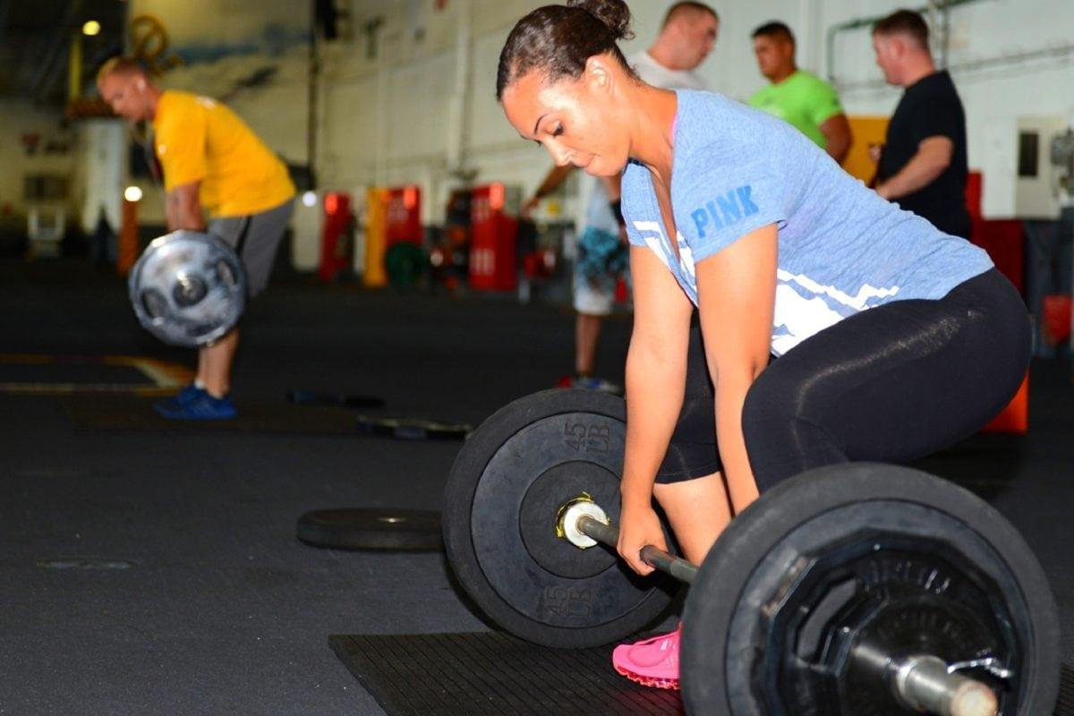 atleet, atletische, Mooi meisje, gewicht, apparatuur, sportschool, oefening, geschiktheid