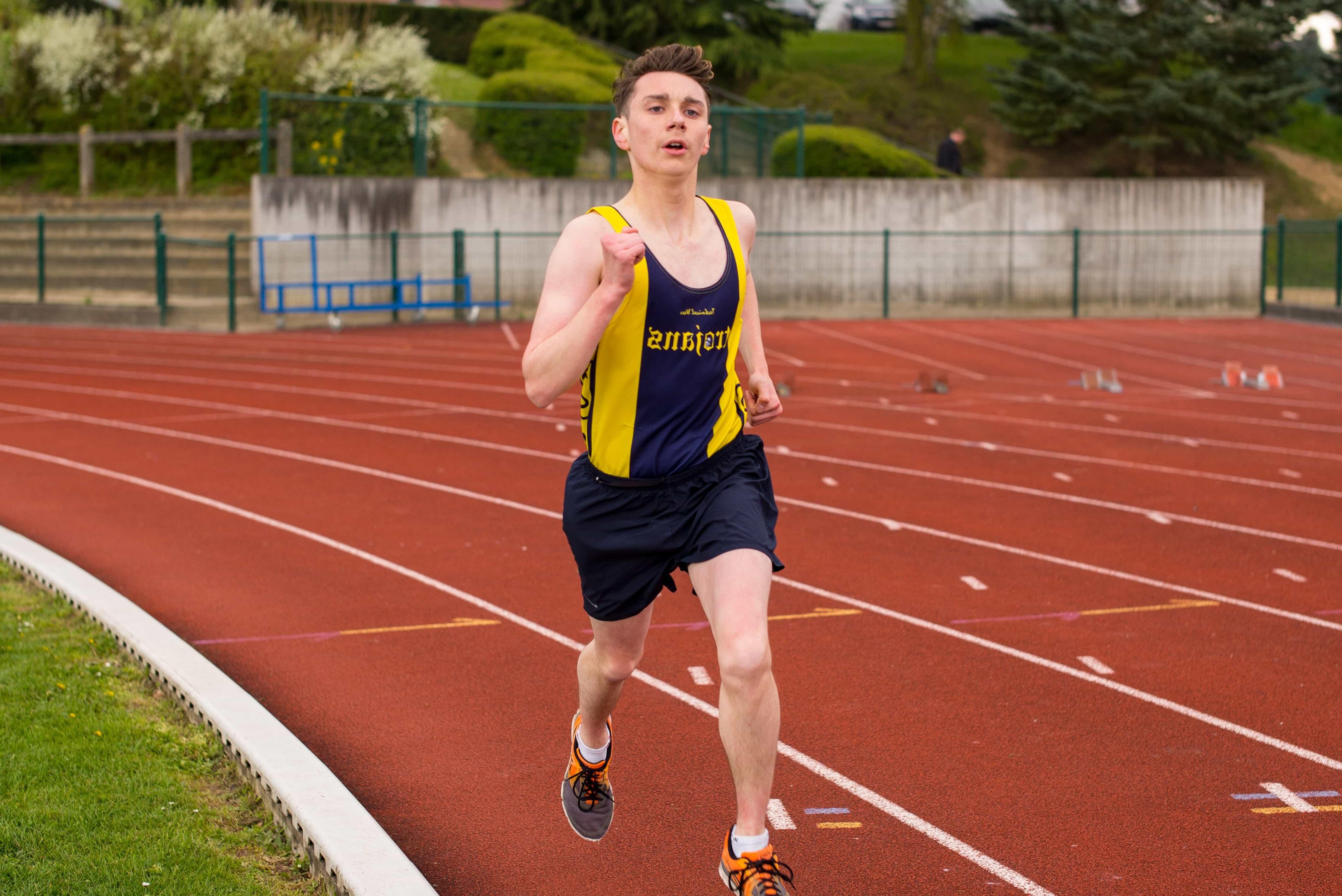 Картинка спортсмен бегун