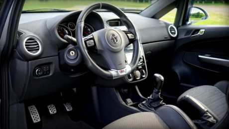 dashboard, interior decoration, interior design, speedometer, steering wheel, windshield, vehicle, drive