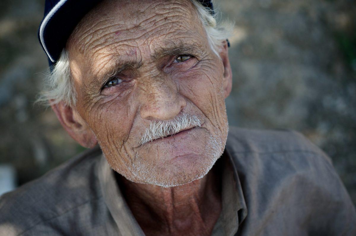 Großvater, Schnurrbart, Rentner, Senior, Menschen, Mann, Porträt, ältere Menschen