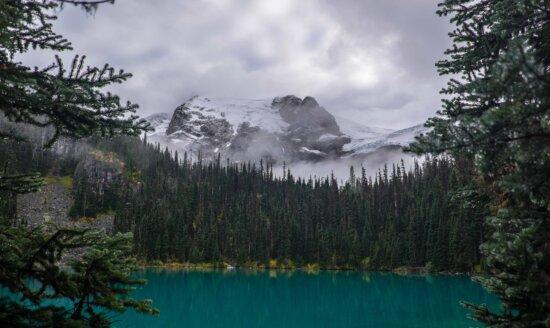 вода, лес, озеро, пейзаж, Ледник, дерево, Гора, Природа