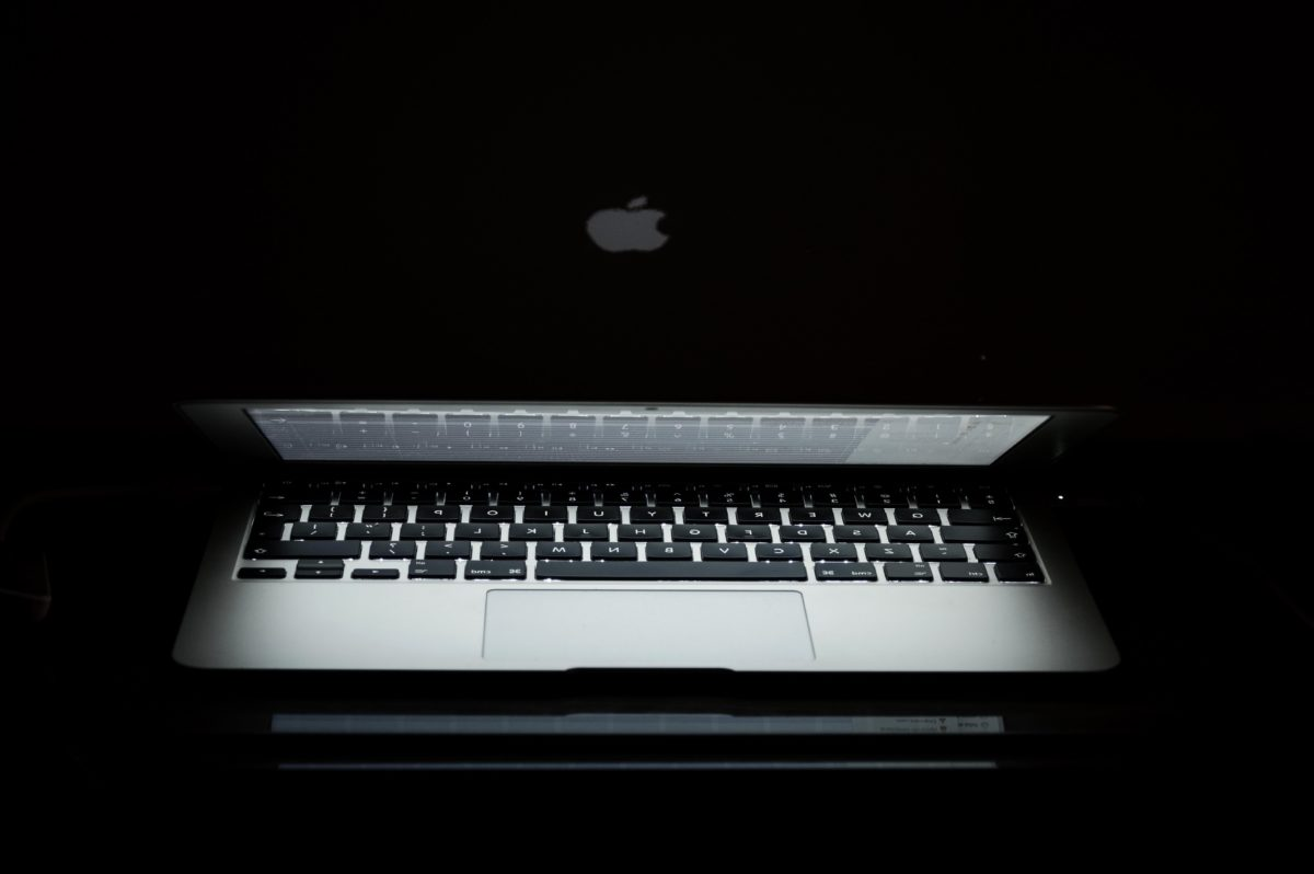 apple computer, darkness, shadow, computer, personal computer, portable computer, laptop, keyboard