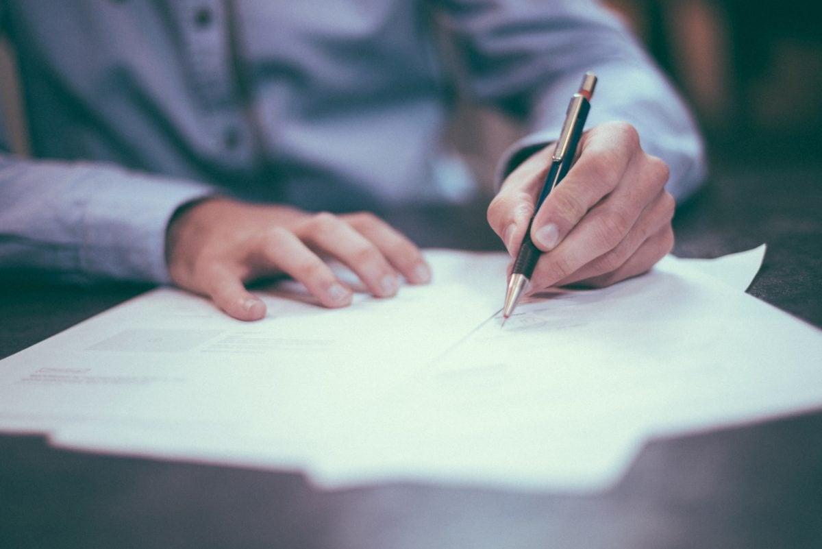 företag, affärsman, affärsman, arbetar, papper, hand, Snygg, kosmetolog