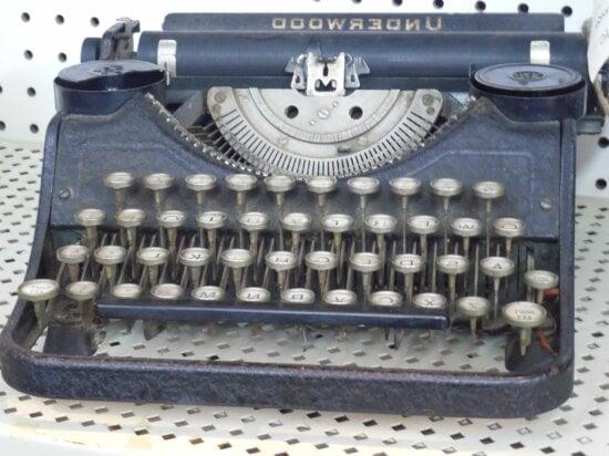 retro, portable, keyboard, typewriter, device, nostalgia, vintage, antique