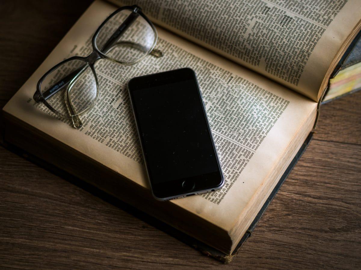 livro, óculos, telefone móvel, negócios, caderno, papel, documento, escritório