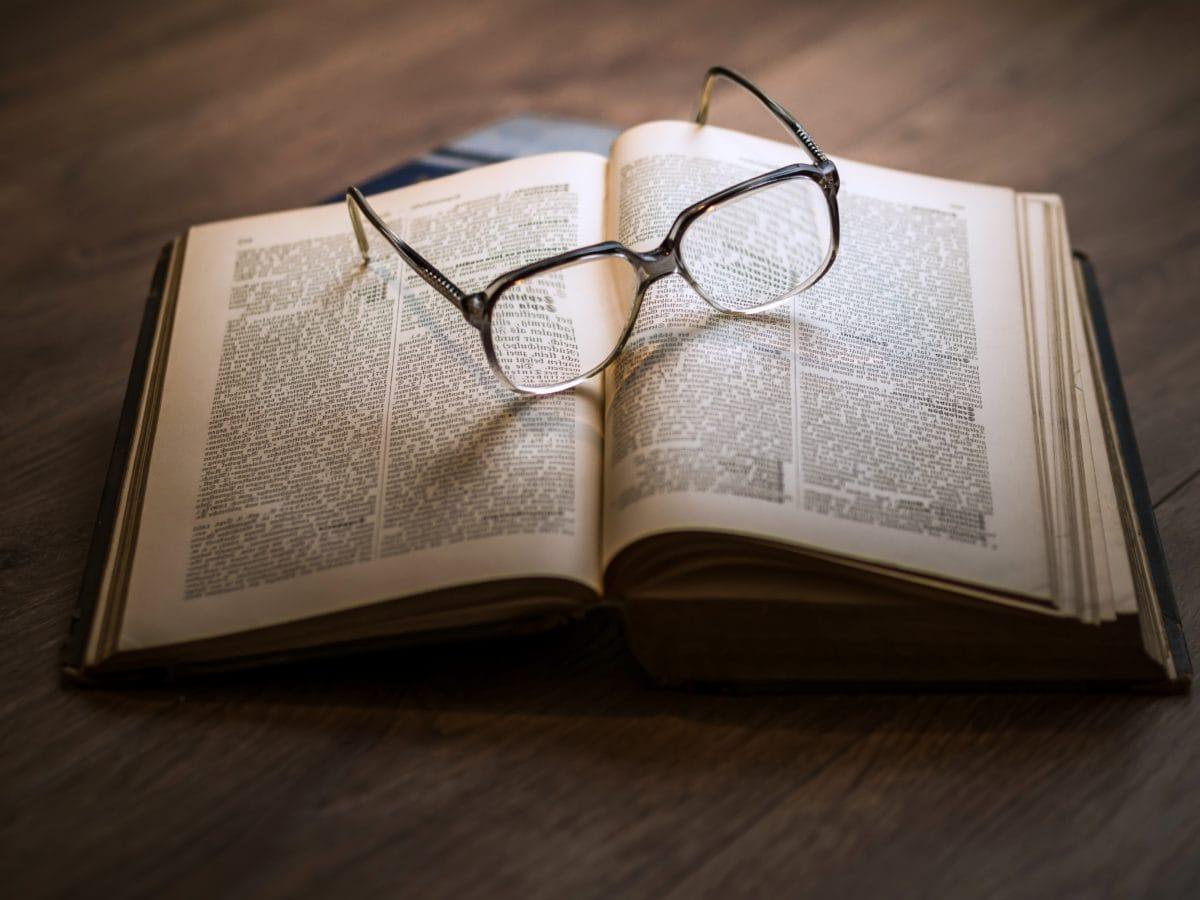 dioptrické brýle, papír, Stránka, vzdělání, kniha, literatura, znalosti, obchodní