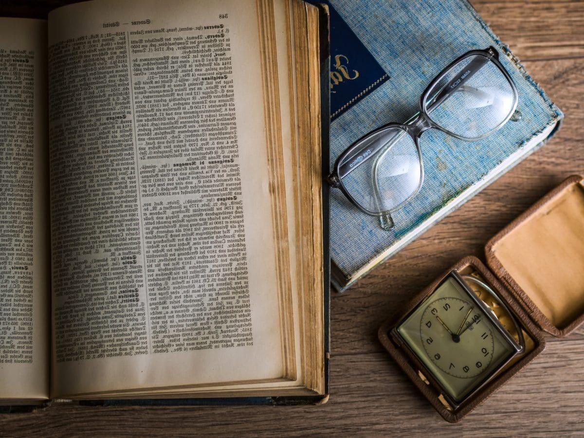 Ρολόι, γυαλιά οράσεως, χαρτί, λογοτεχνία, σελίδα, βιβλίο, παλιά, εκπαίδευση
