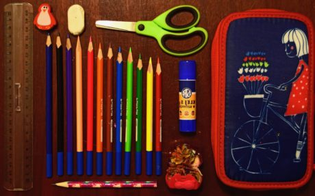 koulu, koulutus, piirustus, lyijykynä, puu, sakset, laitteet, pöytä