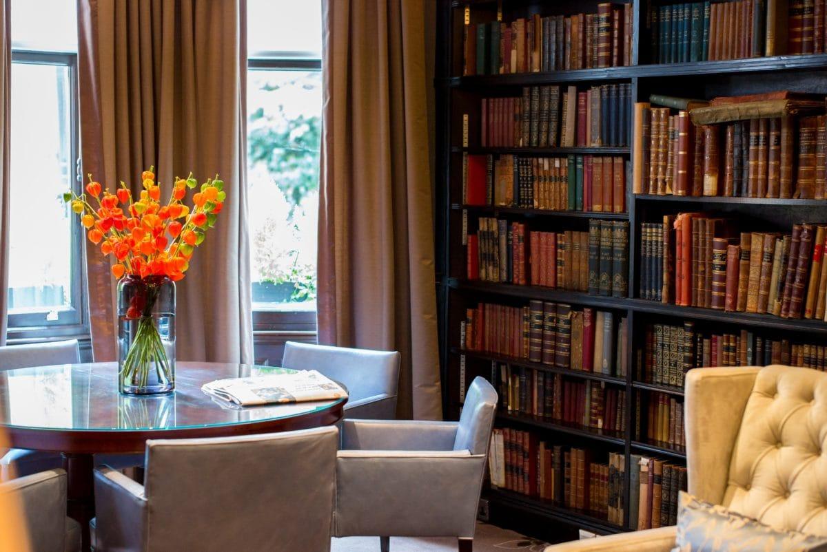 møbler, bibliotek, værelse, reol, interiør, hylde, indendørs, sæde