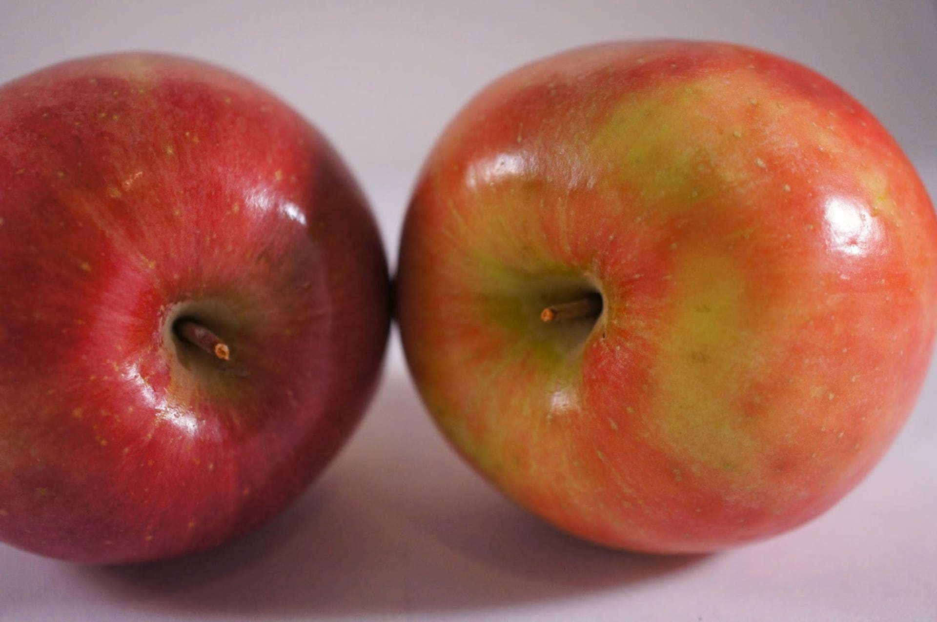 Red Apple Delicious apple rich in vitamins and