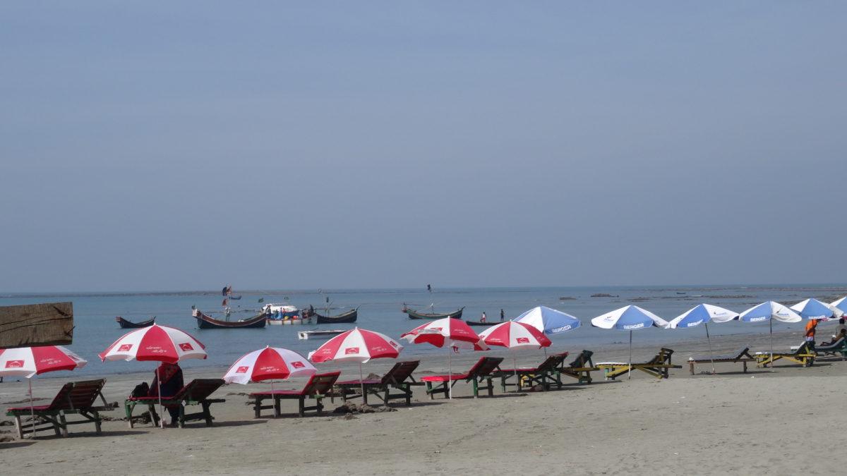 csónak, nyári szezon, esernyő, strand, homok, víz, létesítmény, utazás