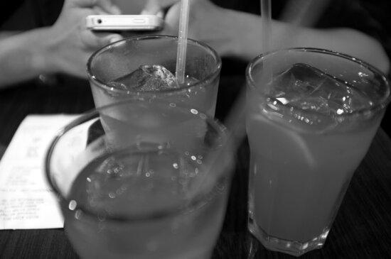 kylmä vesi, hedelmien cocktail, hedelmämehua, jää, Jääkide, jäävettä, yksivärinen, Neste