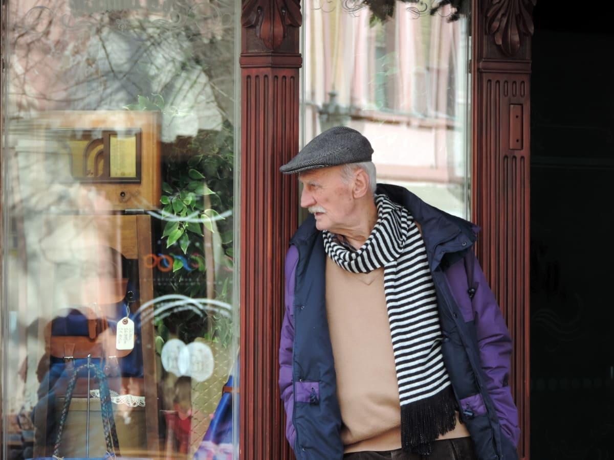 възрастни хора, мода, шапка, пенсионер, портрет, хора, улица, мъж