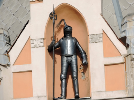 knight, armor, architecture, city, building, street, urban, outdoors