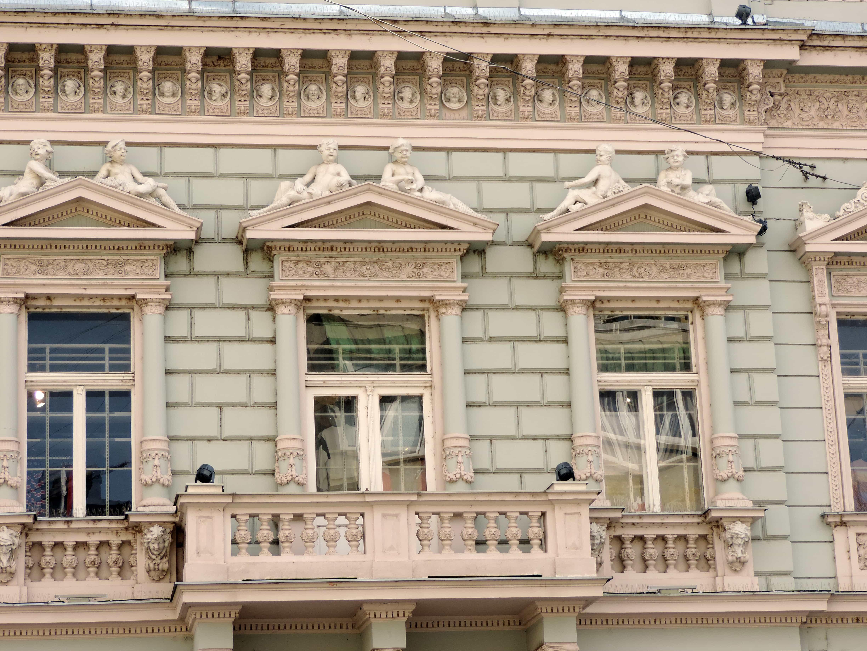 Gratis afbeelding: balkon het platform gebouw gevel stad oude