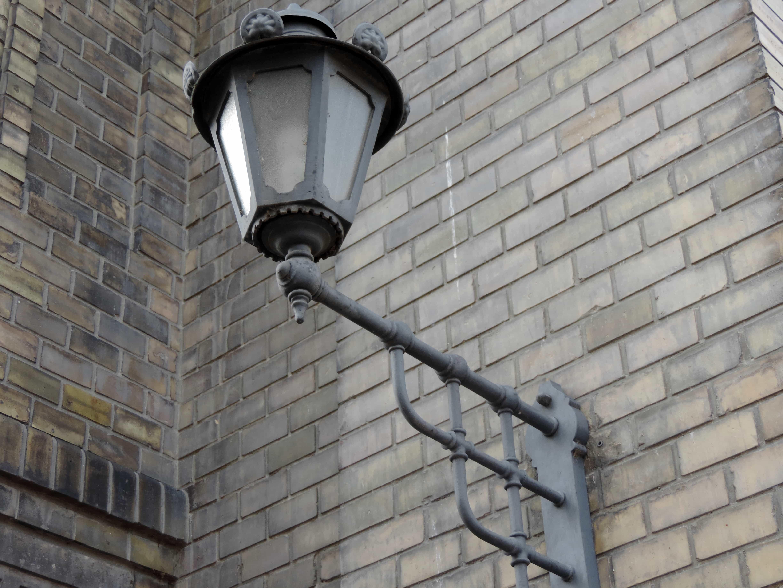 Gratis afbeelding gietijzer decoratie gevel lamp gebouw muur