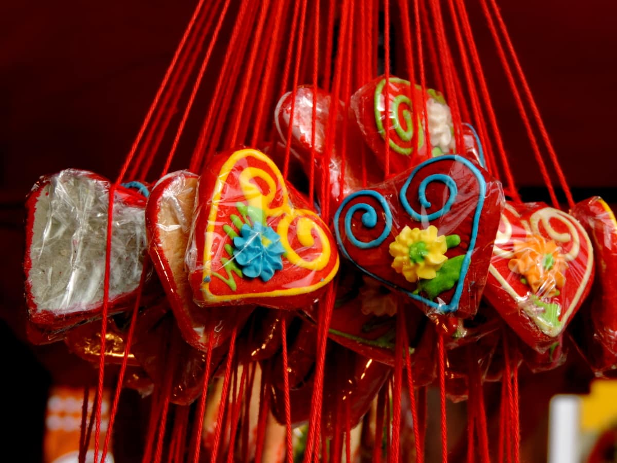 decoration, dessert, handmade, hanging, hearts, love, celebration, traditional