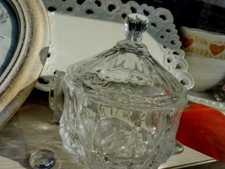 art, crystal, glass, porcelain, container, drink, old, vintage