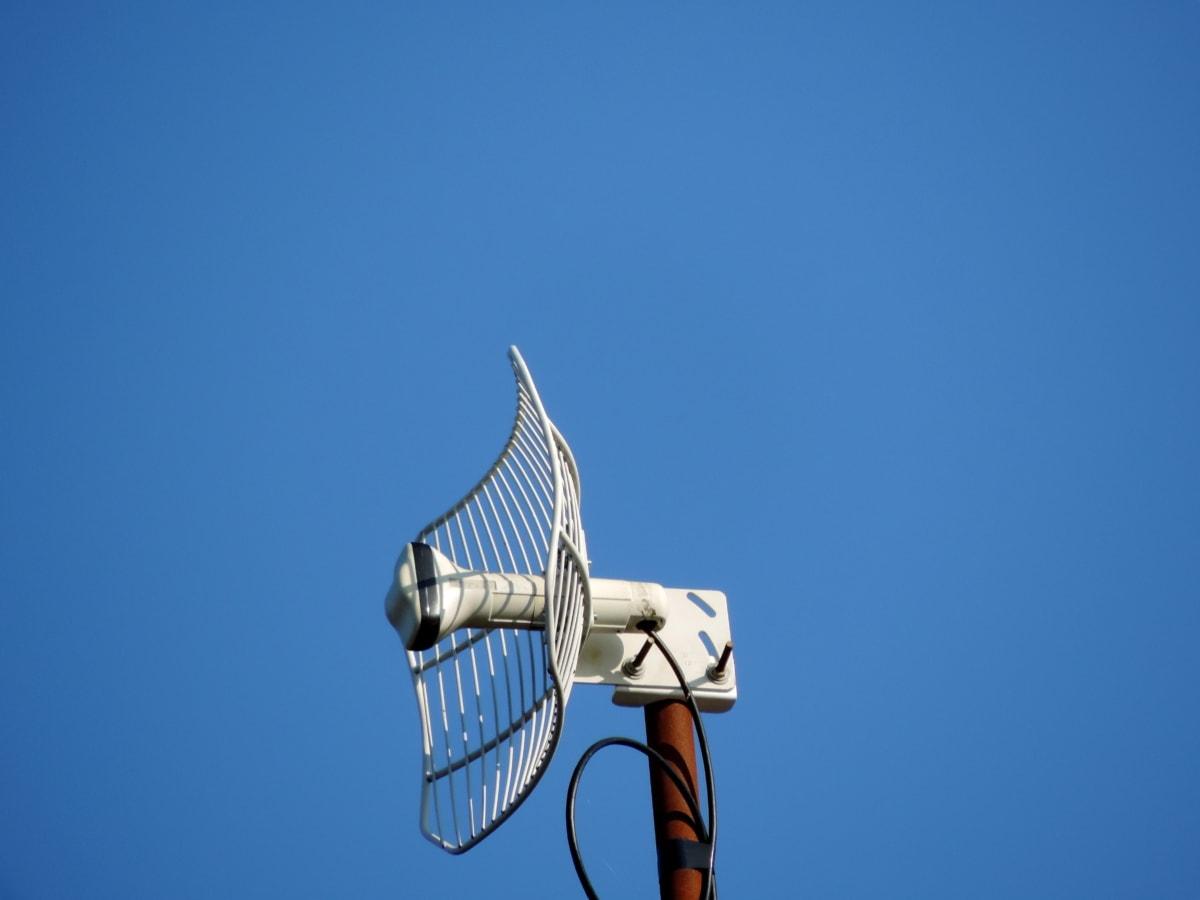 อินเทอร์เน็ต, ไร้สาย, เสาอากาศ, ลม, พลังงาน, เทคโนโลยี, ท้องฟ้าสีฟ้า, ไฟฟ้า