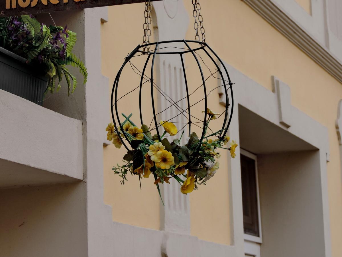 décoration, façade, à la main, rue, maison, à l'intérieur, fenêtre, architecture
